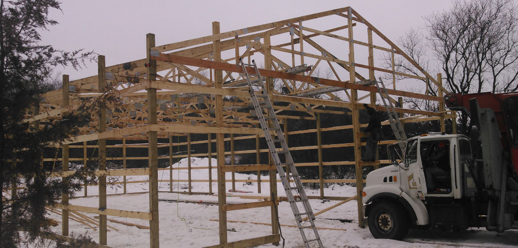 Hudson WI Pole Barn Building Frame with Trusses